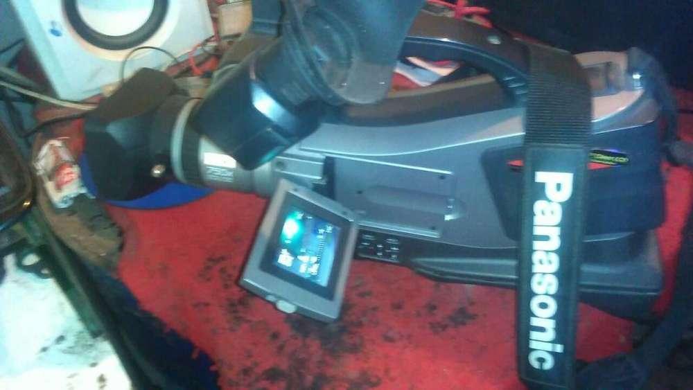 Filmadora Panasonic Md9000 con accesorios.