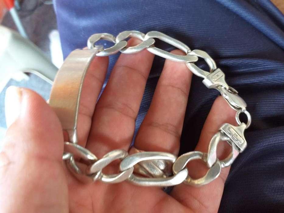 d9e29c115ff0 Esclavas  Relojes - Joyas - Accesorios en venta en Ecuador