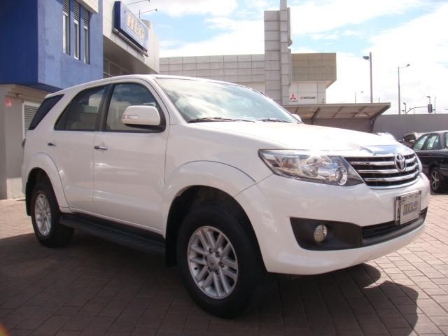 TOYOTA FORTUNER 2015 42.000 KMS IMPECABLE