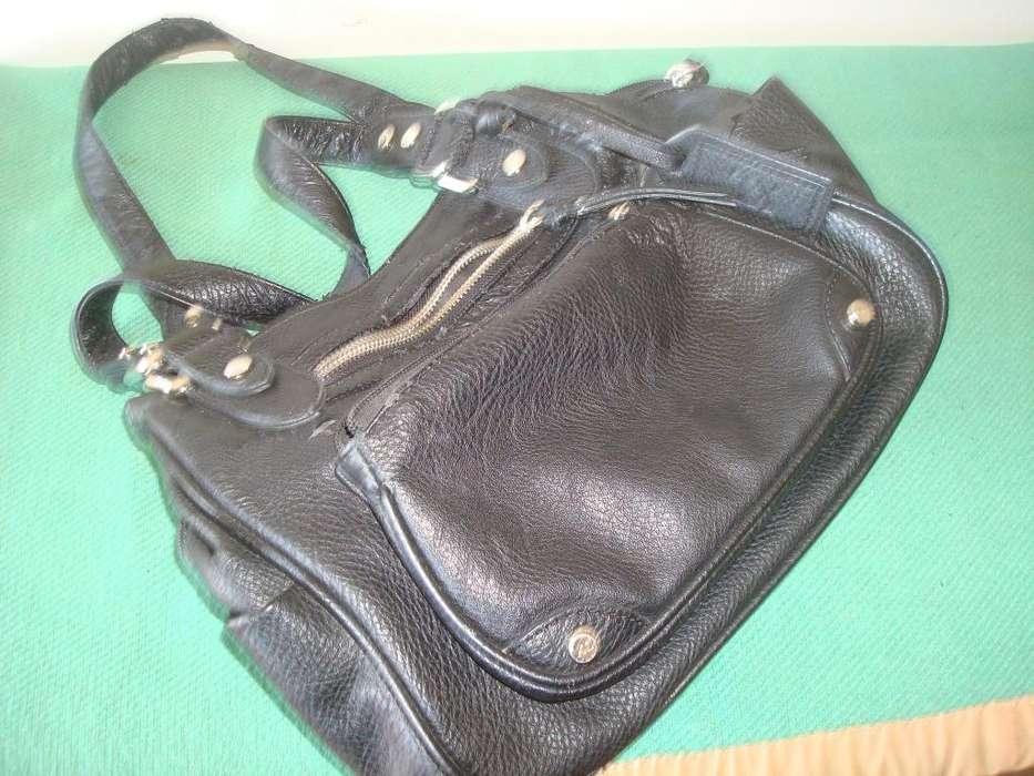Cartera o bolso de mujer usado