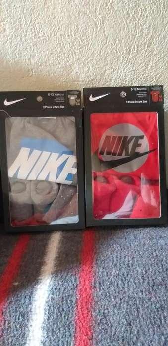 Body Nike 6-12 Meses