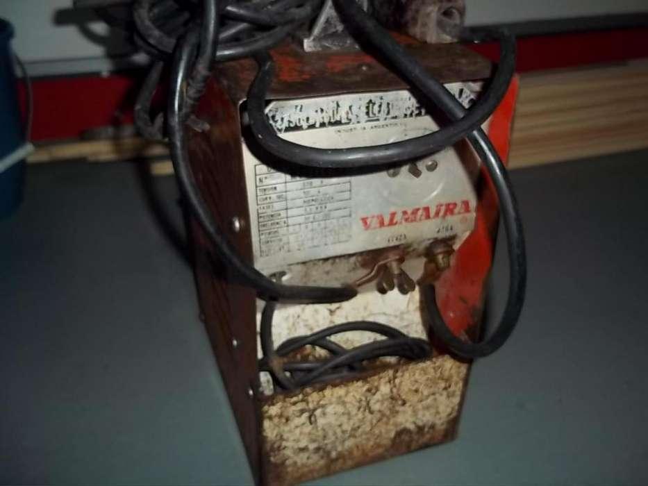 SOLDADORA!!!electrica,-monofasica..1500 anda,muy bien.....