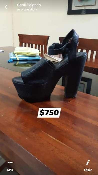 Sandalia Negra de Cuero Talle 36