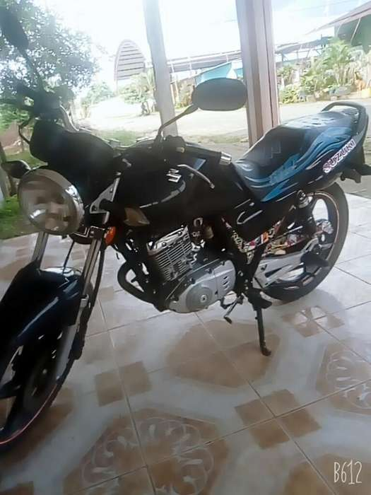 Vendo Moto Suzuki Año 2012