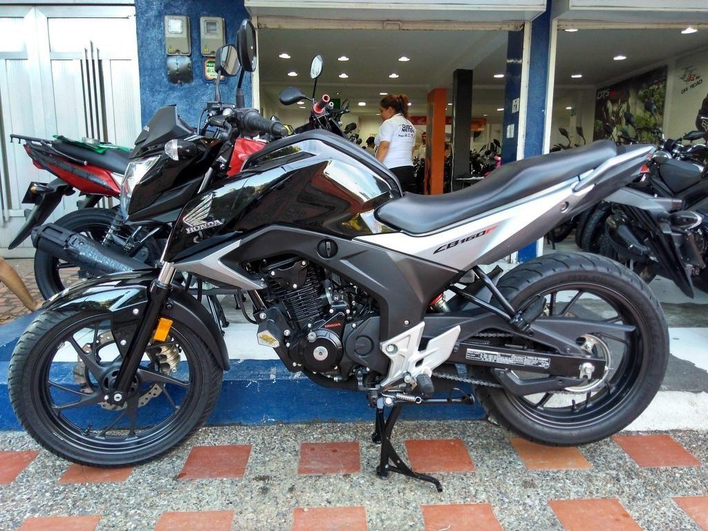 Honda CB160 F DLX modelo 2017 al día Excelente! Recibimos tu usada