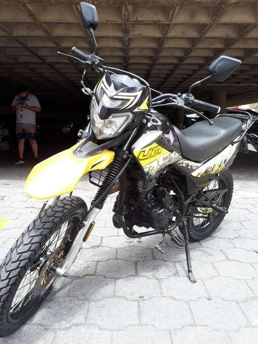 Moto Um Dsr 2 Como <strong>nueva</strong>