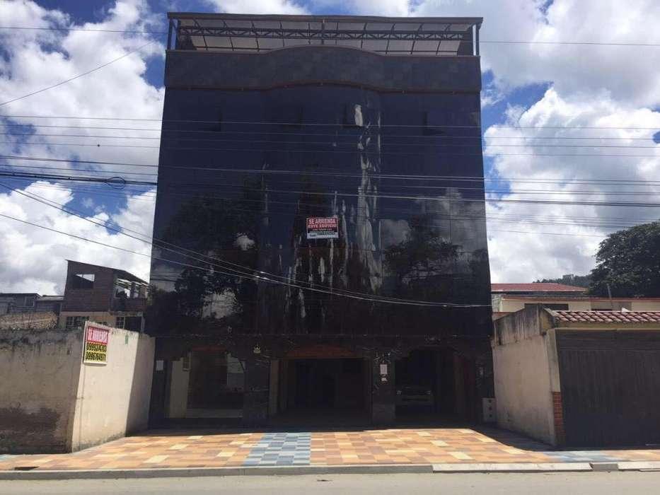 Se vende edificio cerca al Coliseo Ciudad de Loja