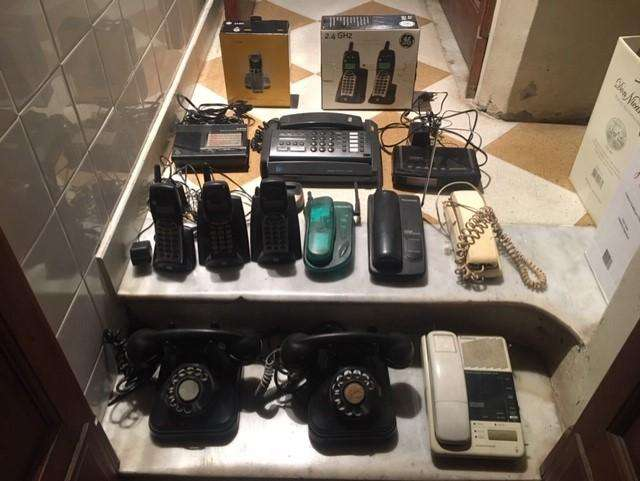 Lote De Varios Telefonos, Algunos Funcionan, Otros Sin Pila