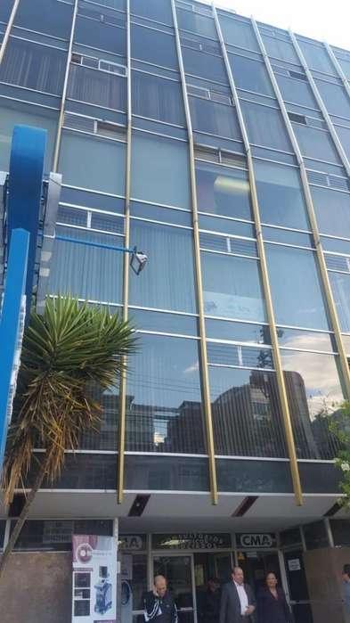 En Venta Oficina / Consultorio Medico semiamoblado 117 m2,sector comercial