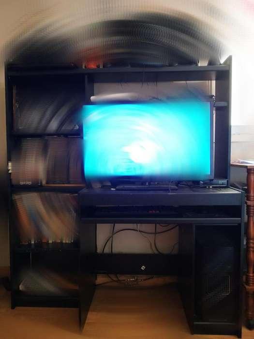 Mueble para PC con biblioteca