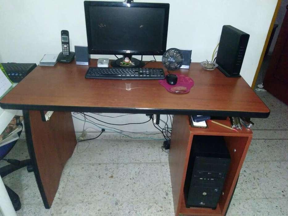 <strong>escritorio</strong> en Madera 120x60. Buen Estado