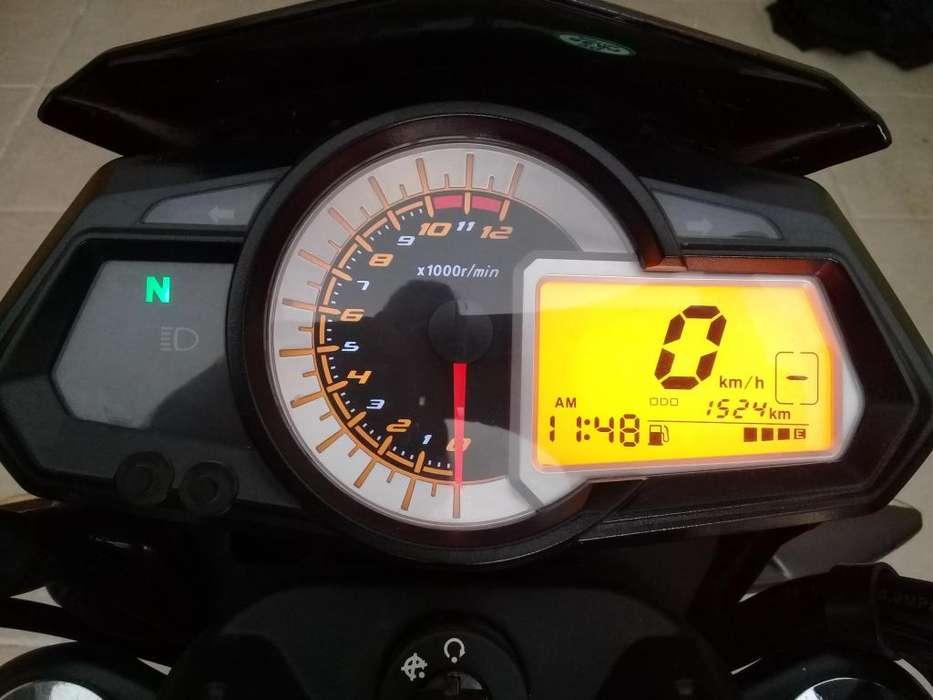 VENDO BENELLI TNT 15, IMPECABLE 1.600 KM