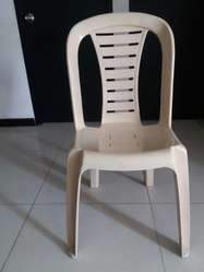 Oferta.sillas Plasticas sin Brazos