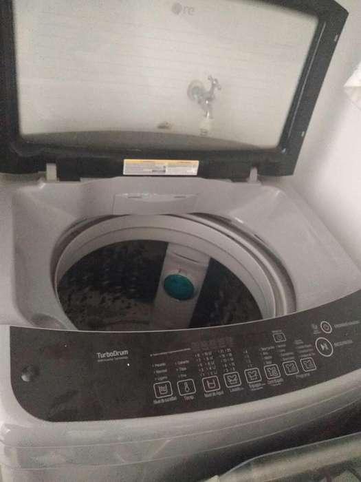 Se vende lavadora LG turbo drum infomensaje o Whatsapp 3186728960