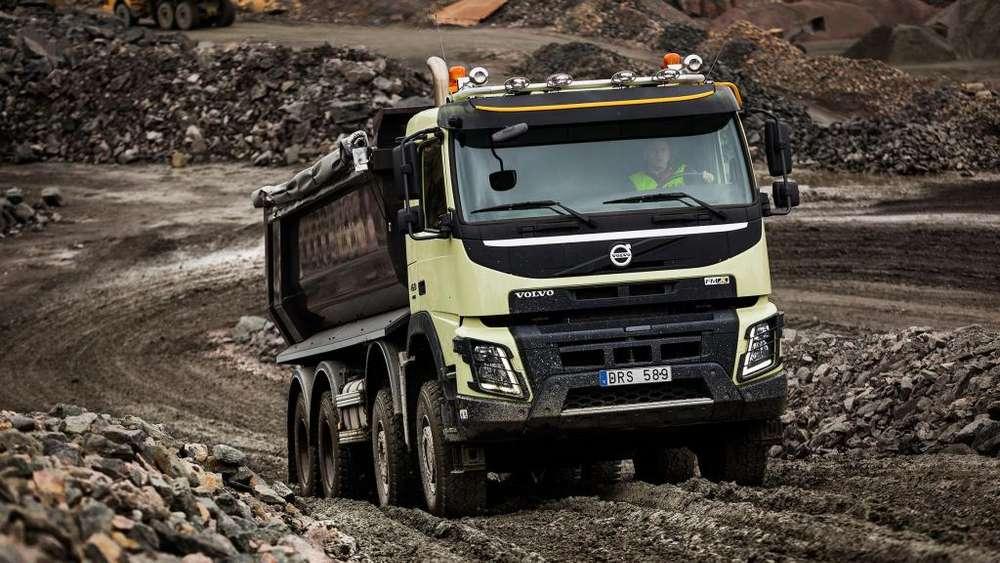 Alquiler de 3 Volquetes Mineros interior tunel cumplen requisitos tecnicos seguridad y calidad