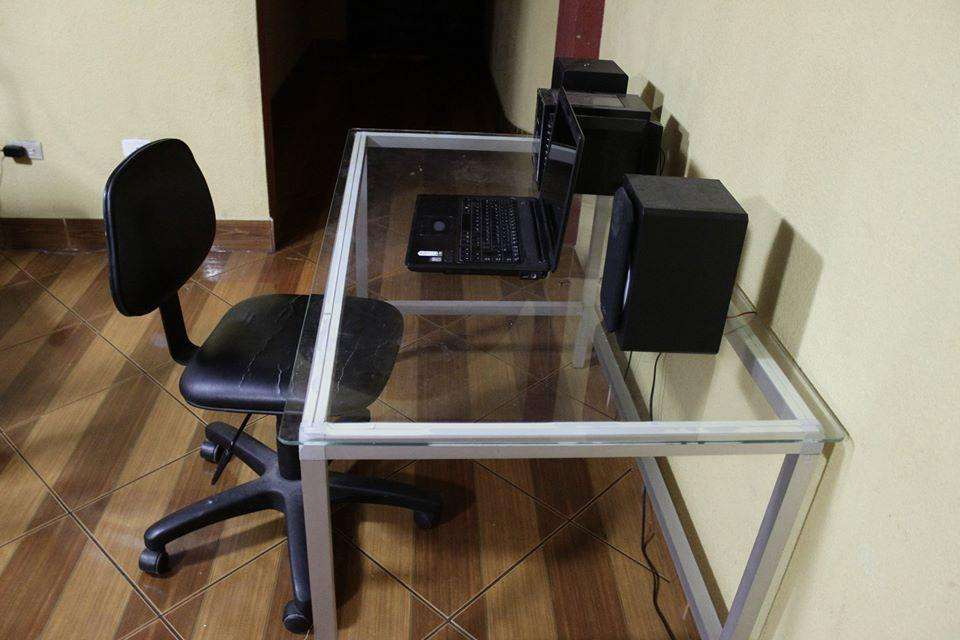 escritorio de vidrio