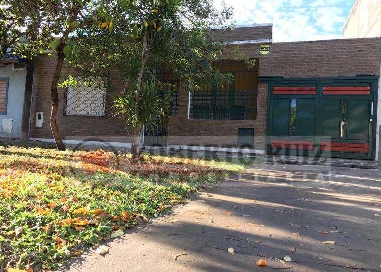 Casa ubicada a Media Cuadra de Avenida RAMIREZ