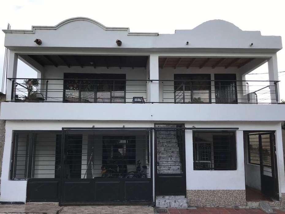 Hermosa Casa con tres <strong>apartamento</strong>s