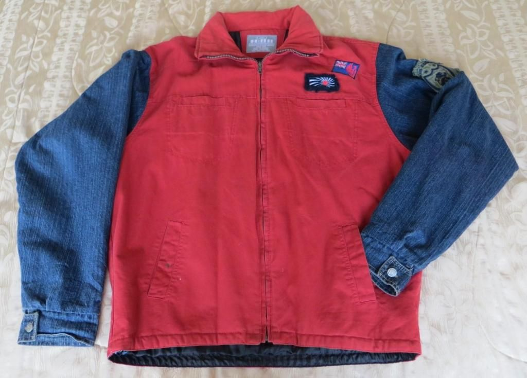 51649f054ab Chompa tipo Jean AXN Talla L para Hombre Usada - Quito