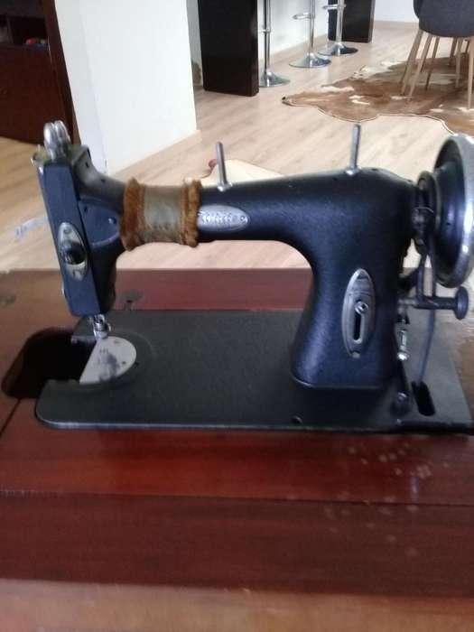 ANTIGÜEDAD maquina de coser antigua