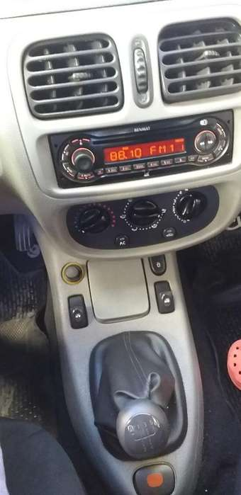 Renault Clio  2010 - 92000 km