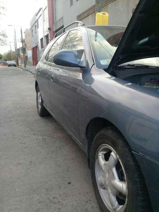 Hyundai Elantra 1996 - 250000 km