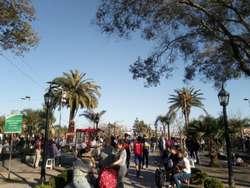 Local al lado del Teatro de Benavidez y frente a la Plaza