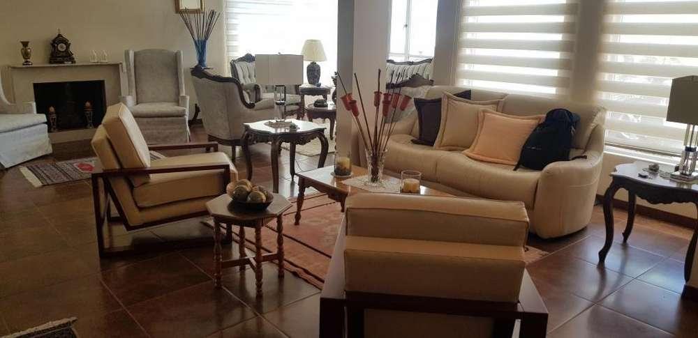 Cumbayá, San Juan Alto, Colinas de Cumbayá, venta hermosa casa de 235m2, 3 dormitorios.