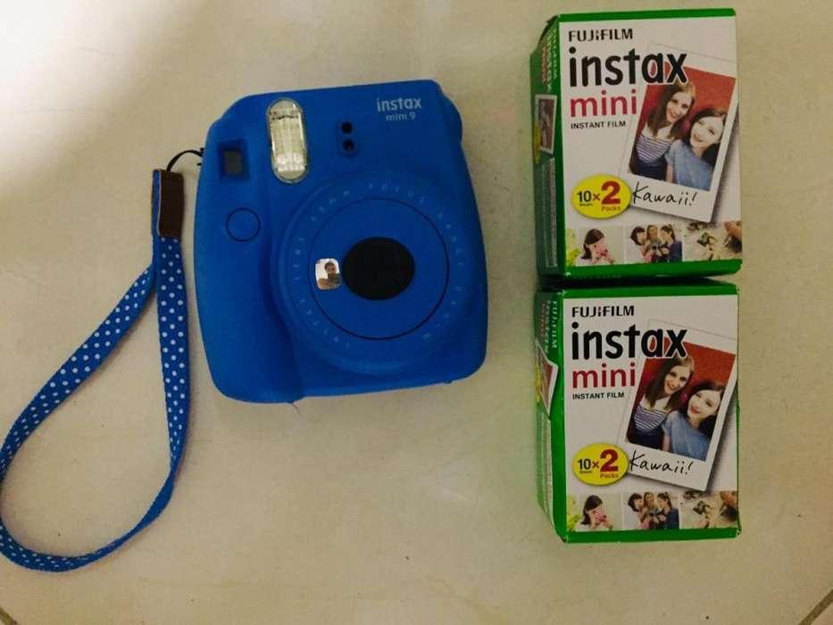 Vendo cámara instantánea instax mini 9 FUJIFILM Cobalt blue