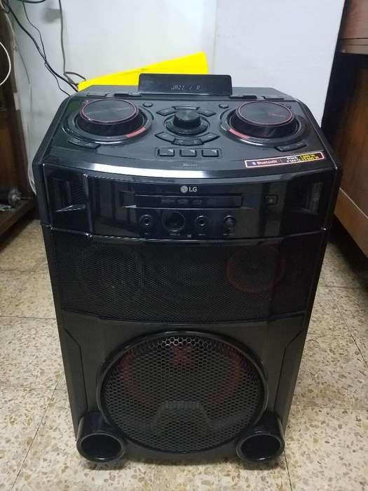 Cabina de Sonido Lg Om 7550 1300w Blueto