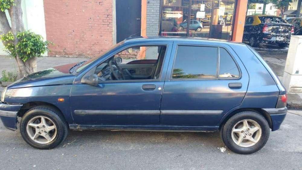 Renault Clio  1996 - 200000 km