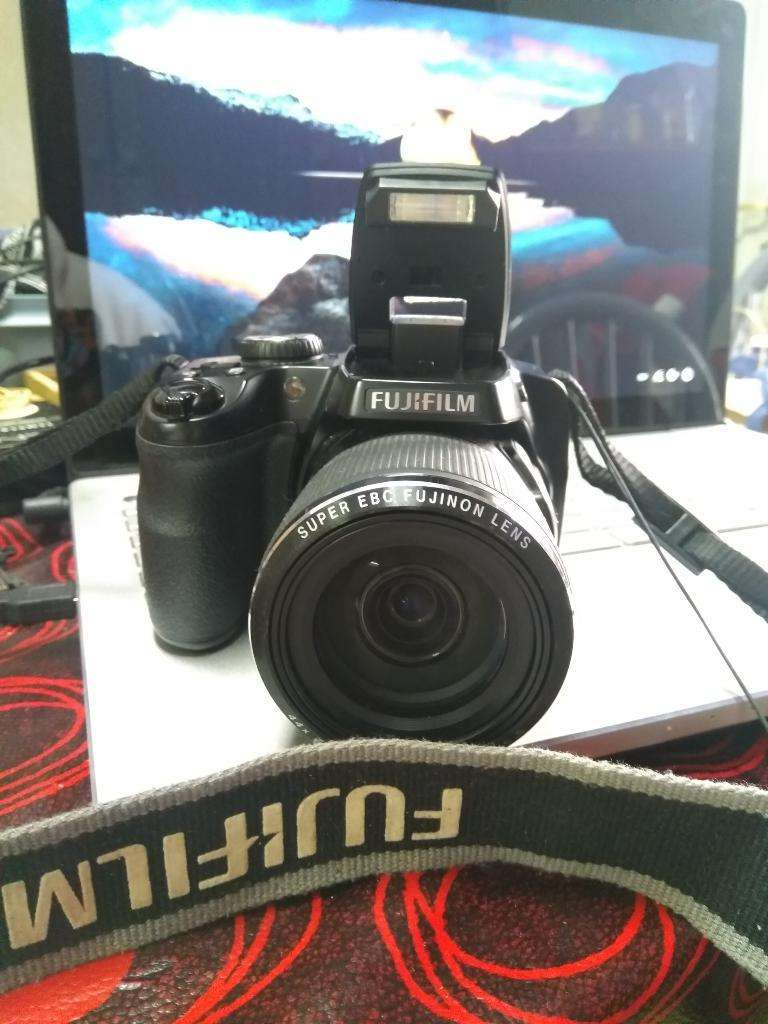 Camara Fujifilm 4850