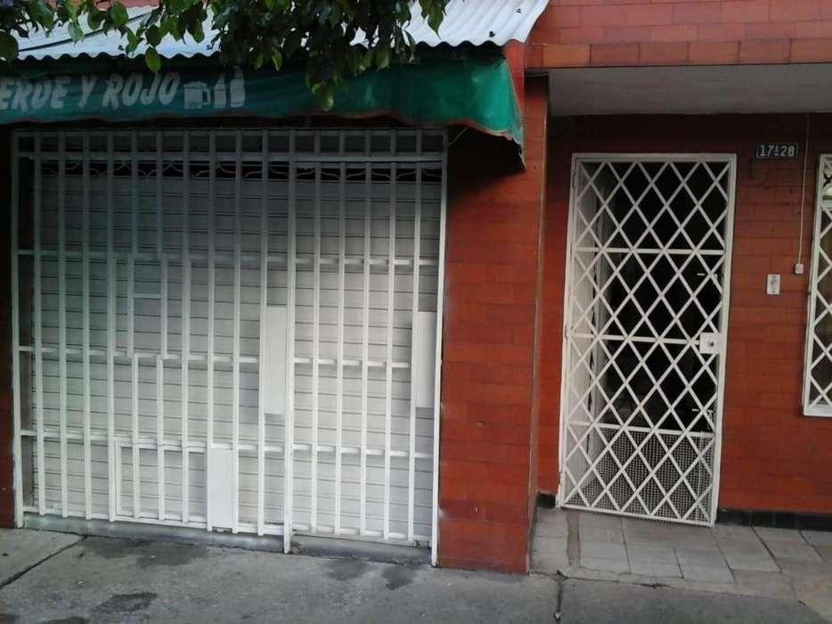 Se Alquila Local, Barrio Santa Elena