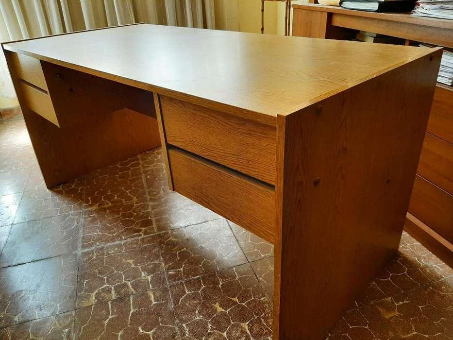 Vendo <strong>escritorio</strong>