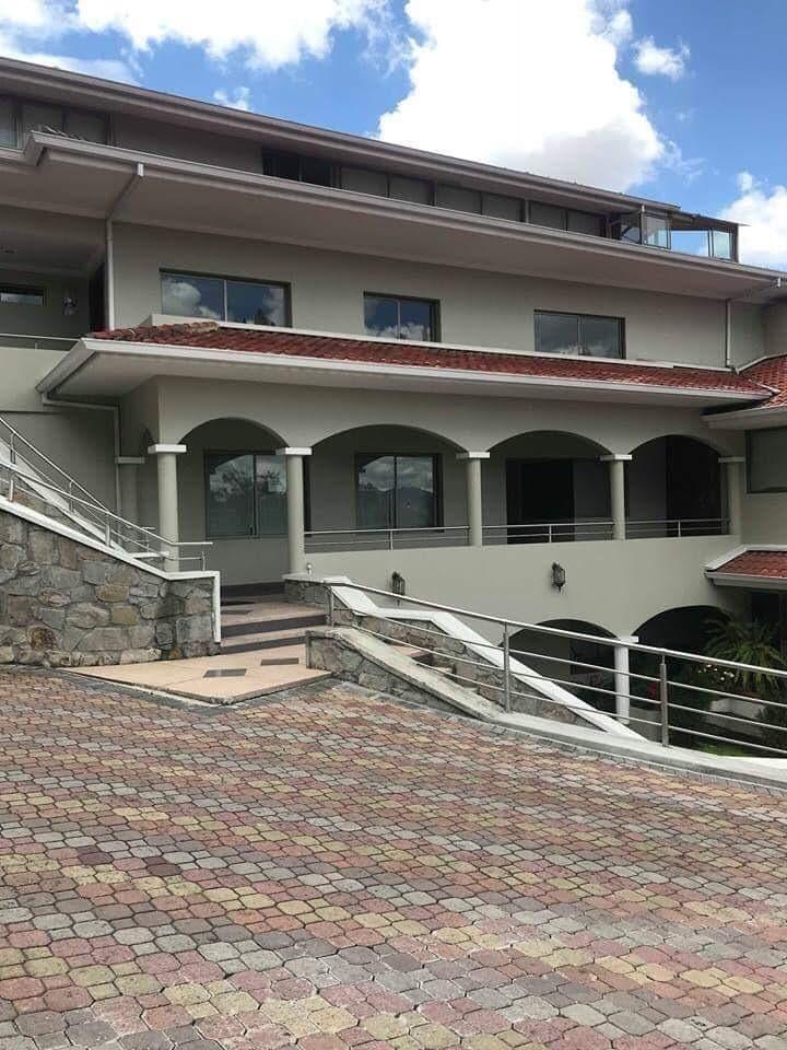Hermoso y Exclusivo Departamento 3 Dormitorios grandes, sector Mall del Rio.