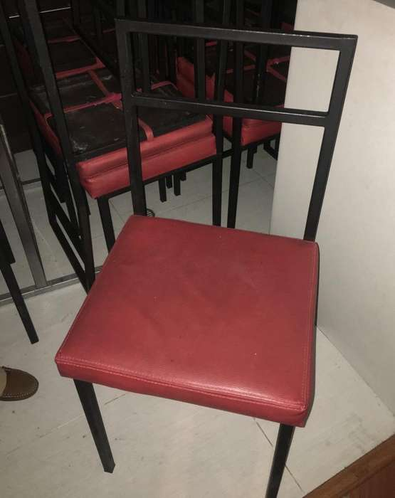 <strong>sillas</strong> Metalicas con Forro Acolchonado