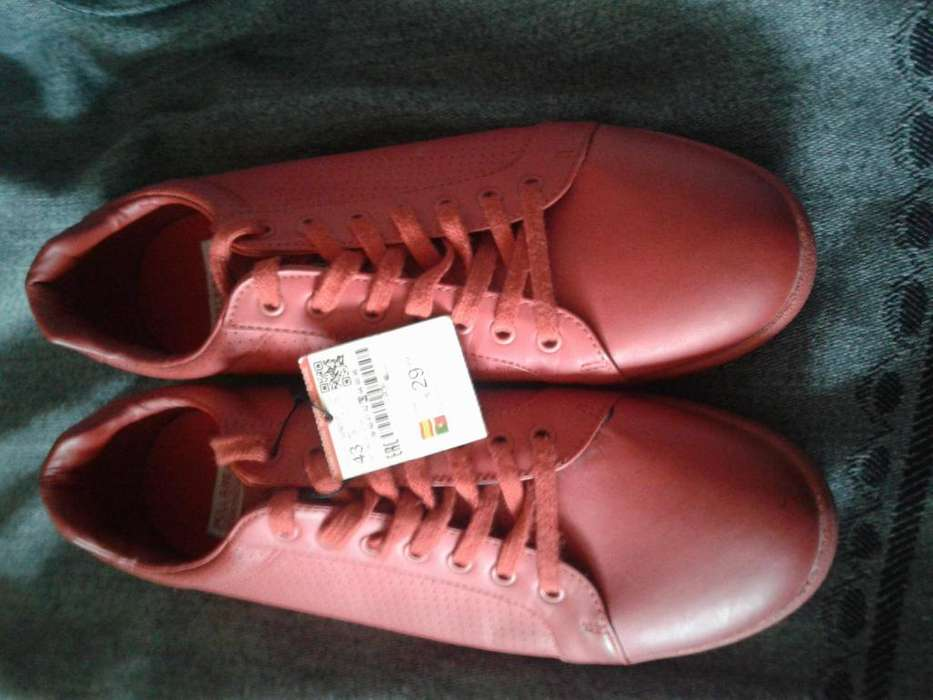 Zapatos PULL and BEAR tall 43,