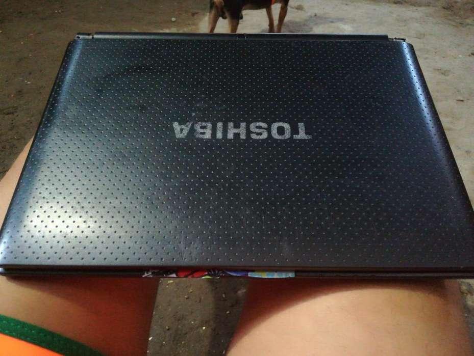 Portatil Toshiba Mini en Perfecto Estado