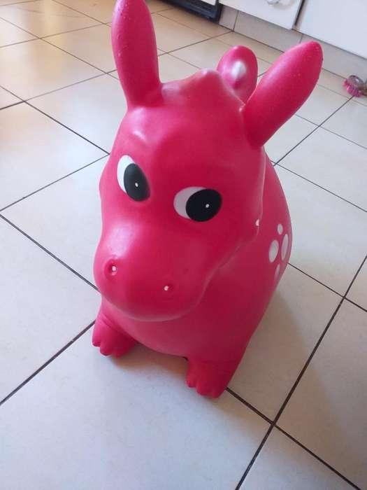 Pony Rojo Saltarin
