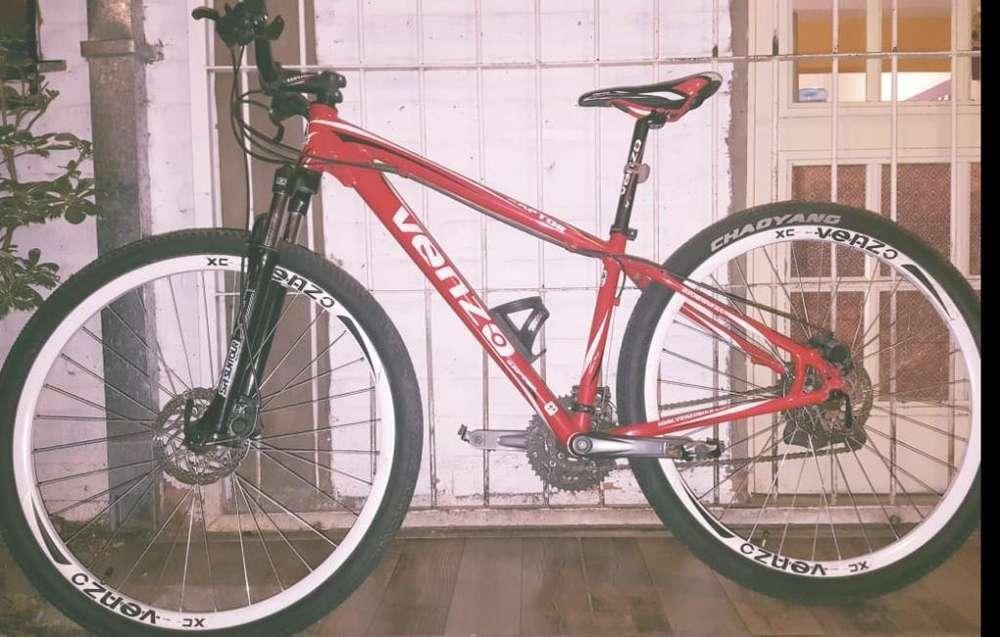 Vendo Bicicleta Venzo Raptor. Rod 29