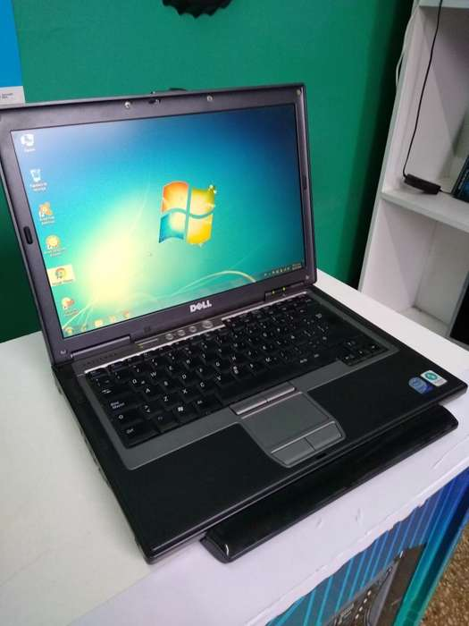 Notebook Dell Core 2 Duo con 3 Gb 200 Gb