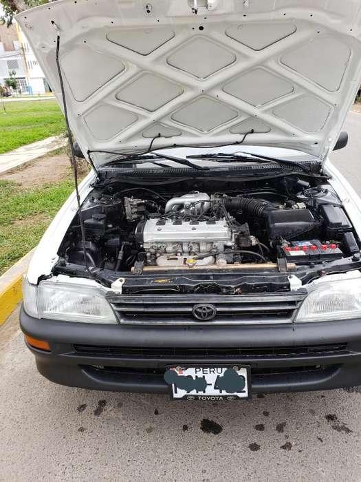 Toyota Corolla 1999 - 22300 km