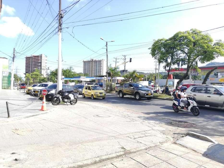 Local u Oficina en Arriendo Av Mirolindo sector papayo Central, amplio y comercial