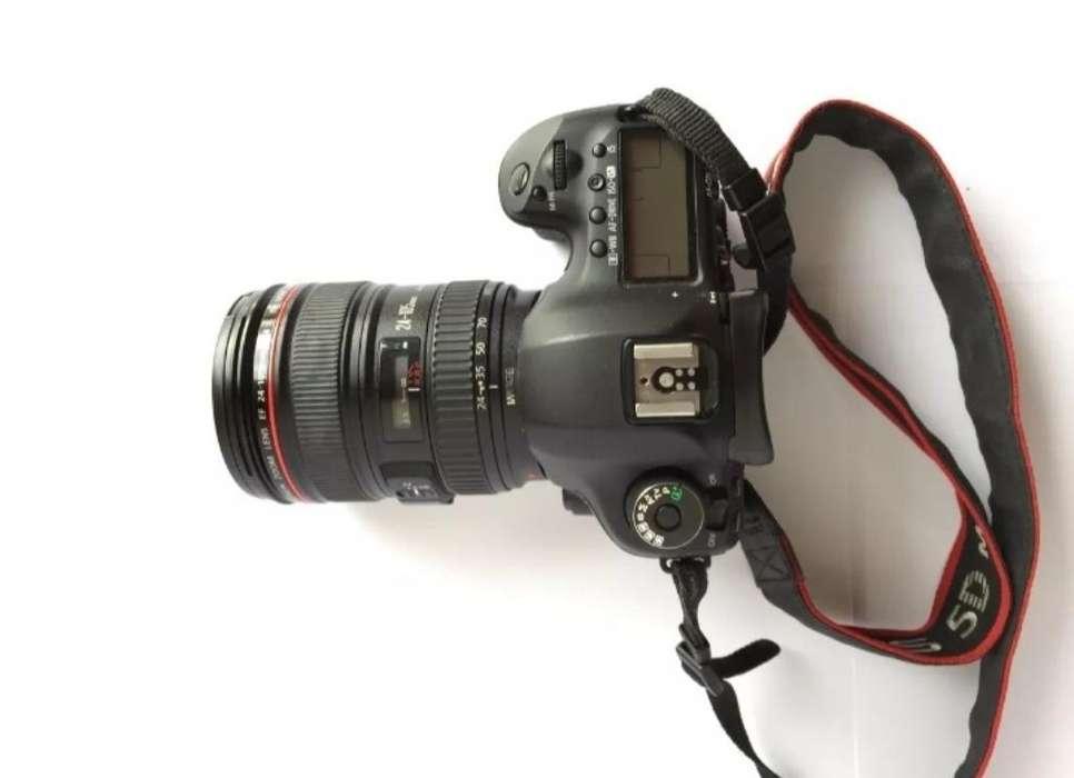 Canon Eos 5d Mark Iii con <strong>accesorios</strong>