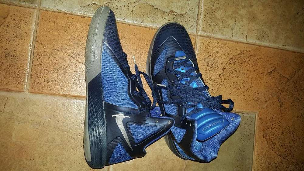 Zapatillas Nike Hyperfuse Usada