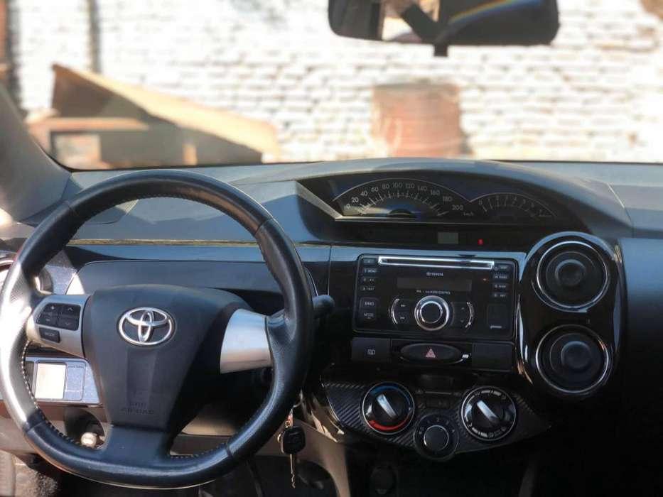 Toyota Etios 2014 - 300000 km