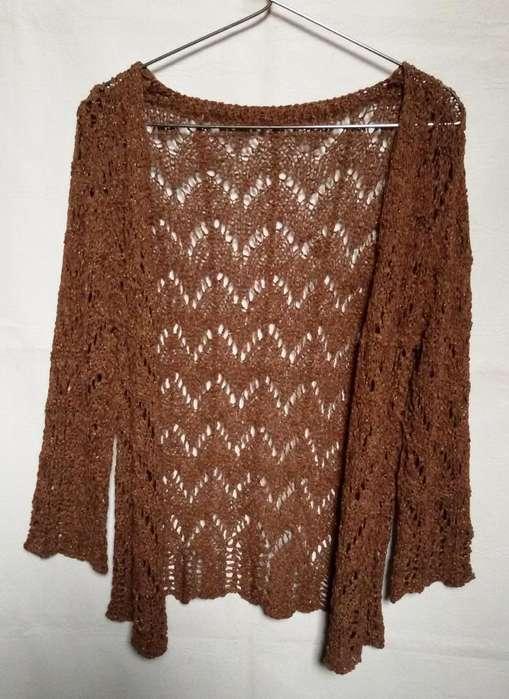 Saquito tejido calado color tostado con lurex