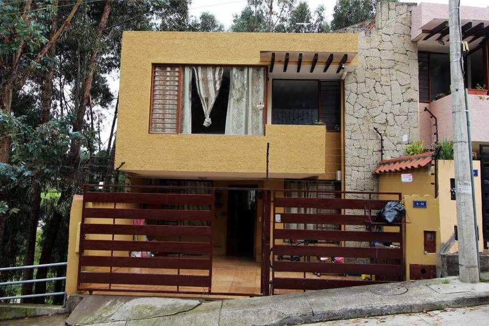 Linda Casa Amplia en Campo Santo Santa Ana