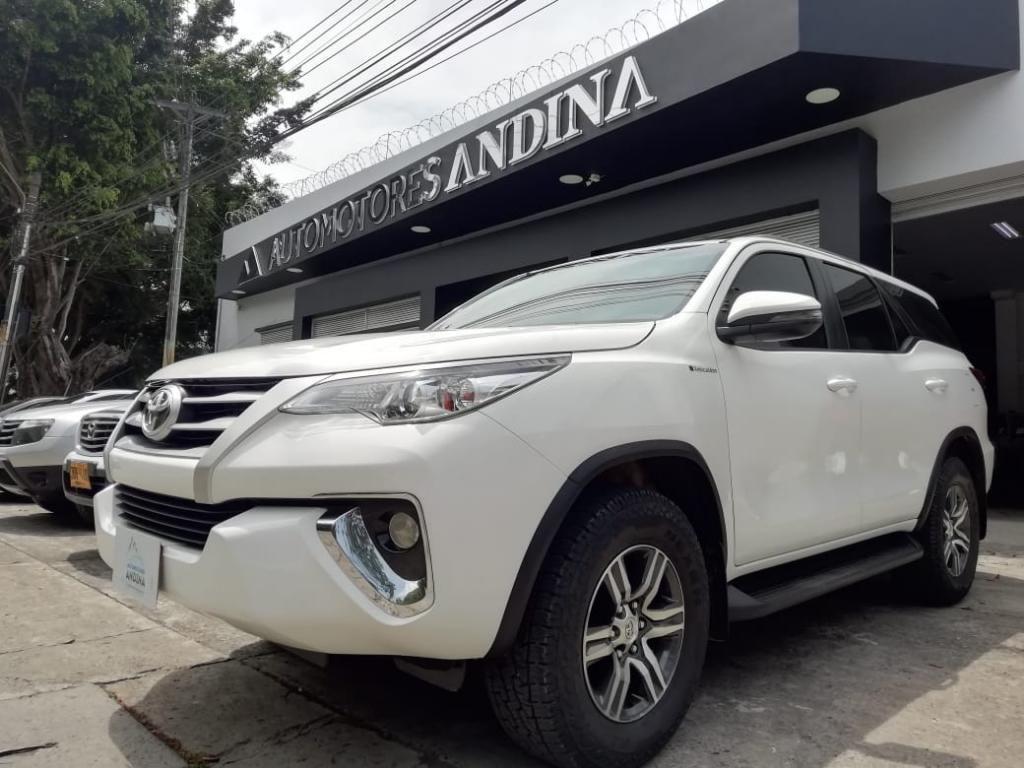 Toyota Fortuner Sw4 2018 Automatica Sec 846