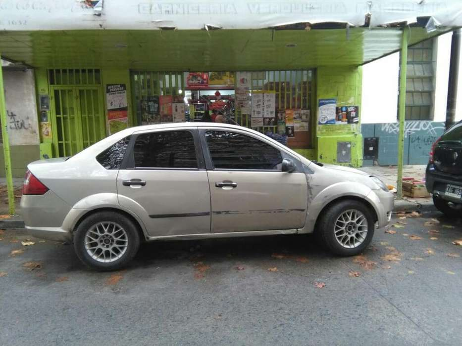 Ford Fiesta  2006 - 1111111 km